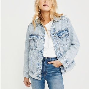 Abercrombie & Fitch oversized denim jacket